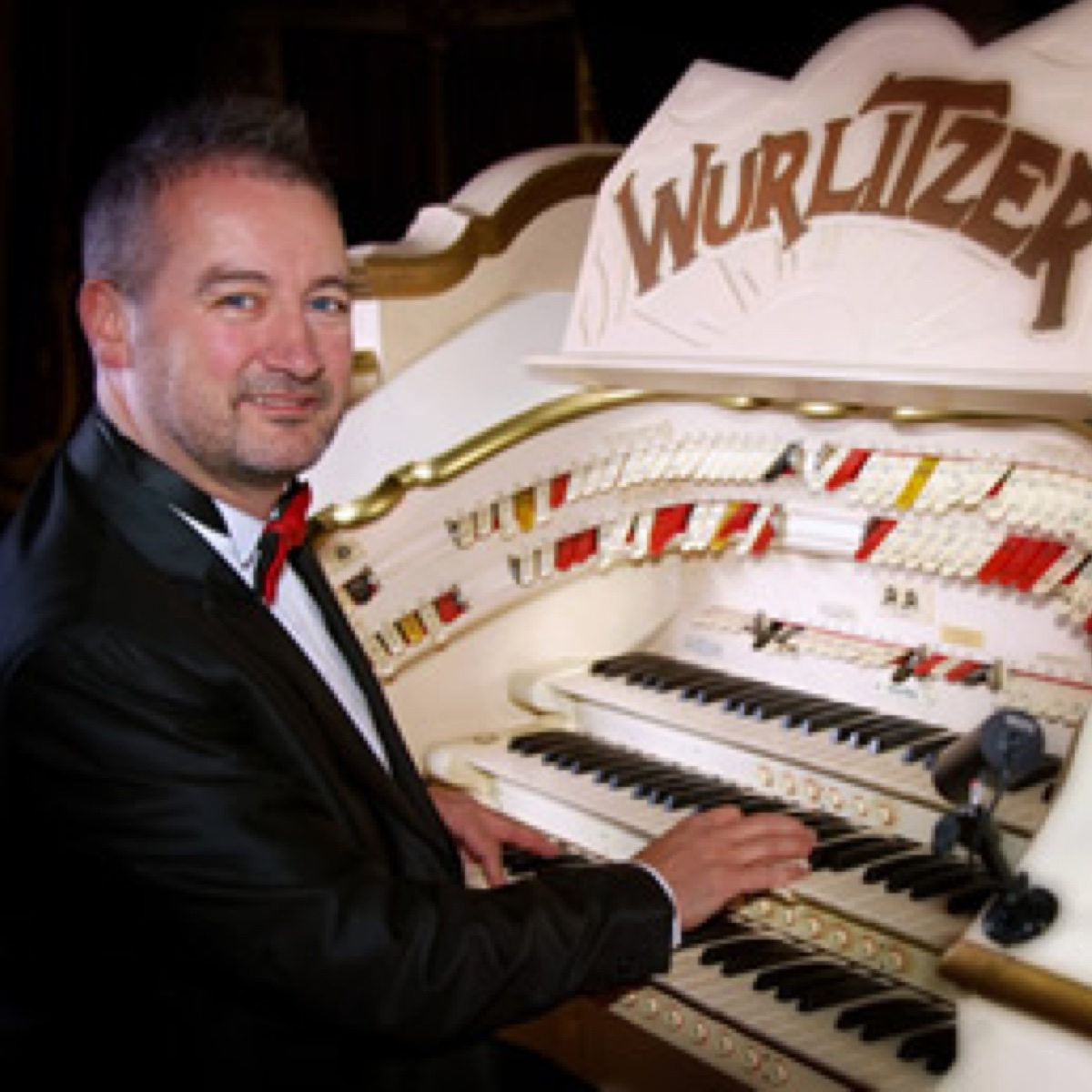 Chris Hopkins organist at the Blackpool Tower Ballroom